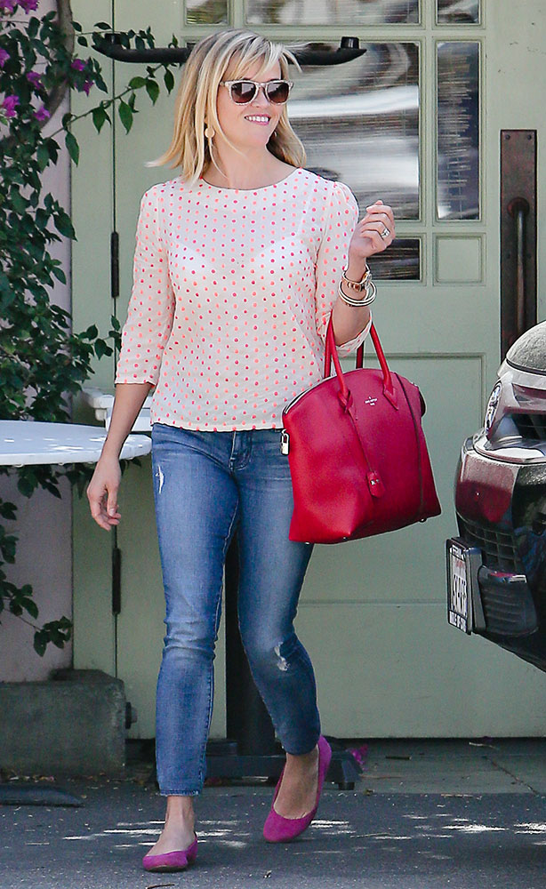Reese-Witherspoon-Louis-Vuitton-Soft-Lockit-Bag