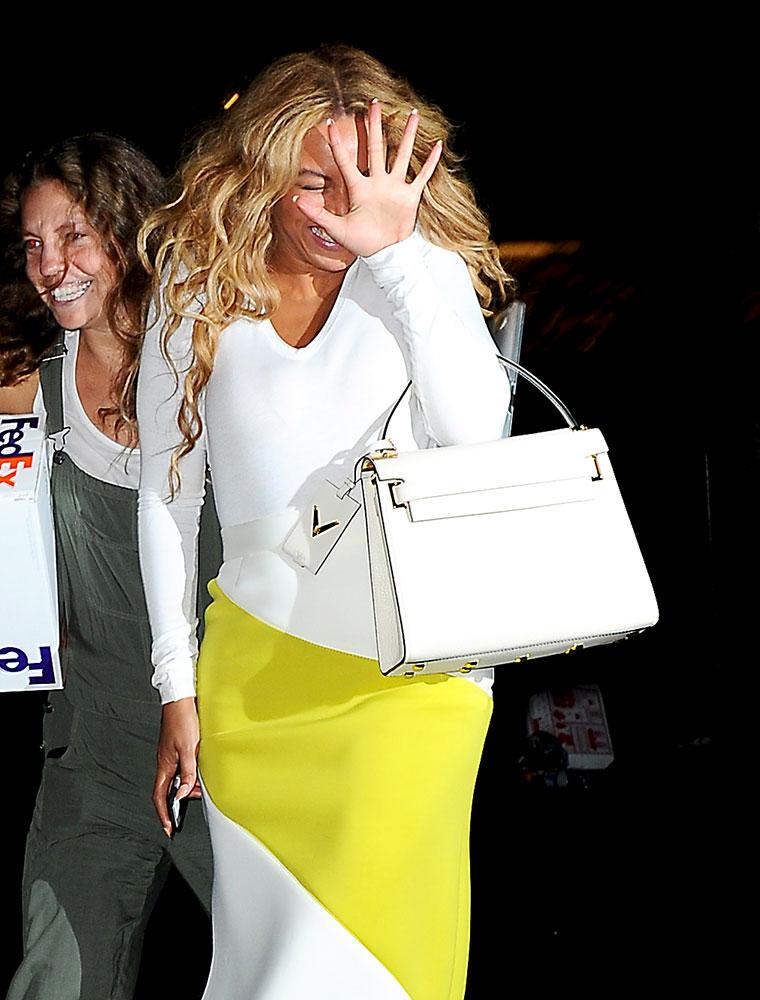 Beyonce-Valentino-My-Rockstud-Bag