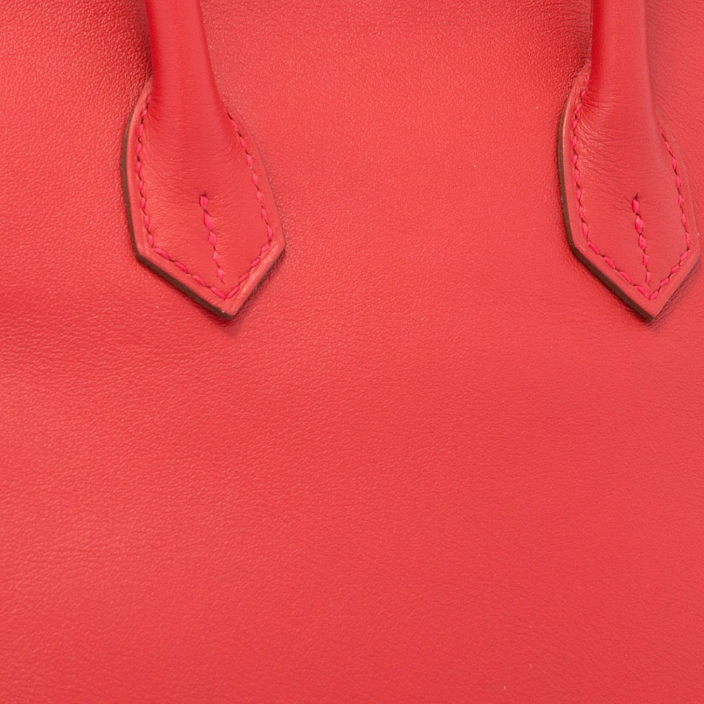 Hermes-Swift-Leather-Swatch-Closeup