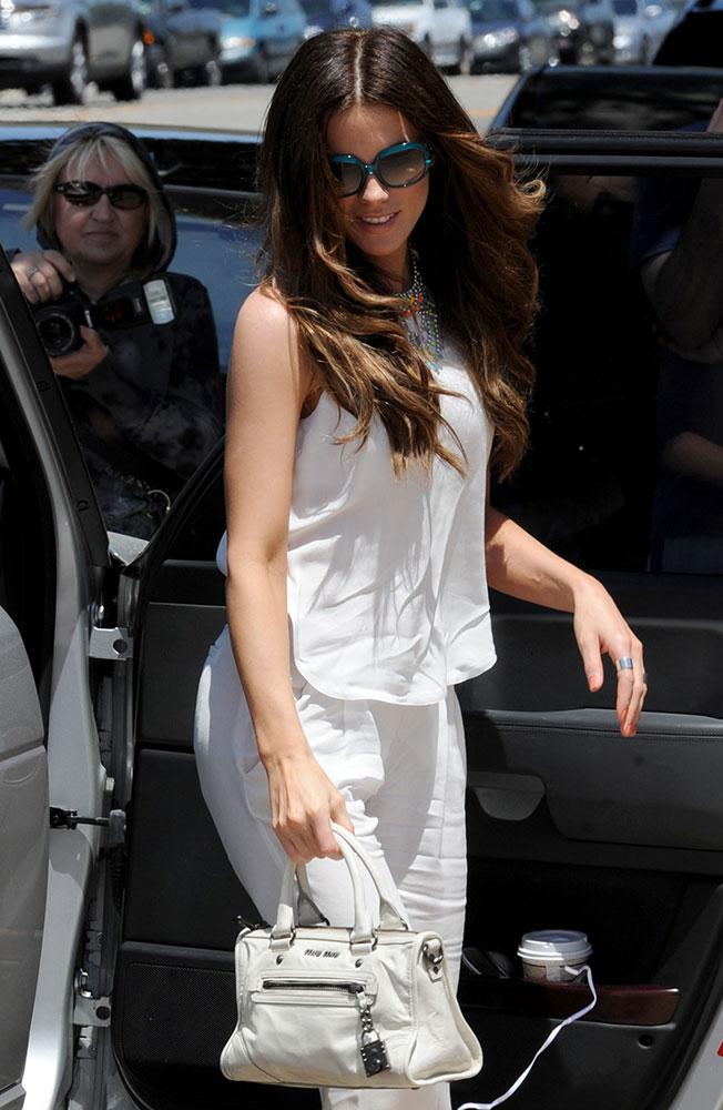 f2e30a782d78df The Many Bags of Kate Beckinsale - PurseBlog