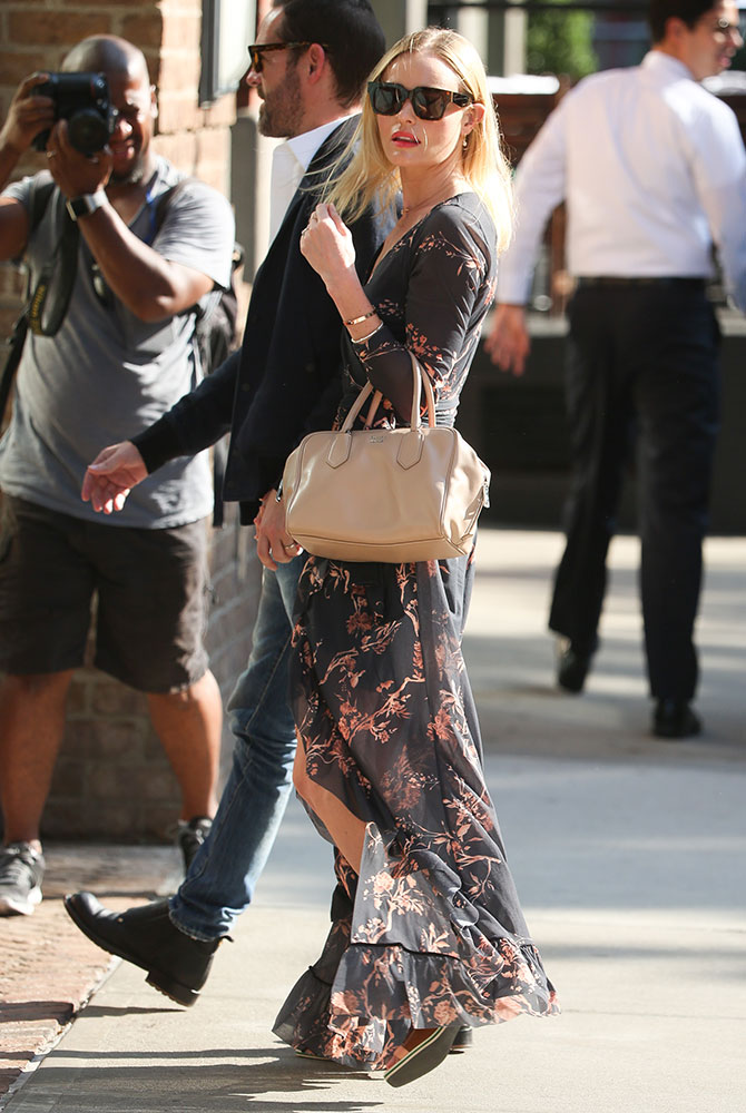 Kate-Bosworth-Prada-Inside-Bag-3