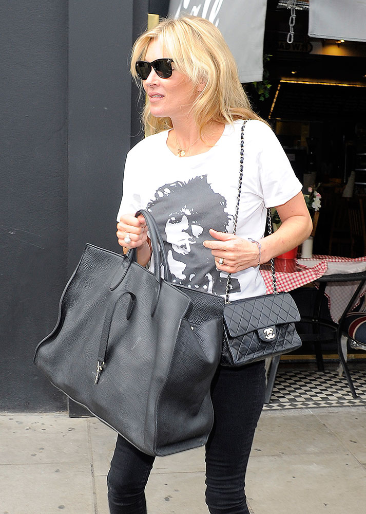 Kate-Moss-Gucci-Jackie-Soft-Tote-Chanel-Classic-Flap-Bag