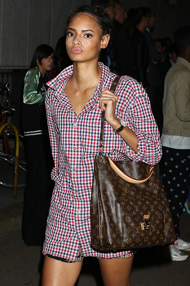 Malaika-Firth-Louis-Vuitton-Metis-Bag