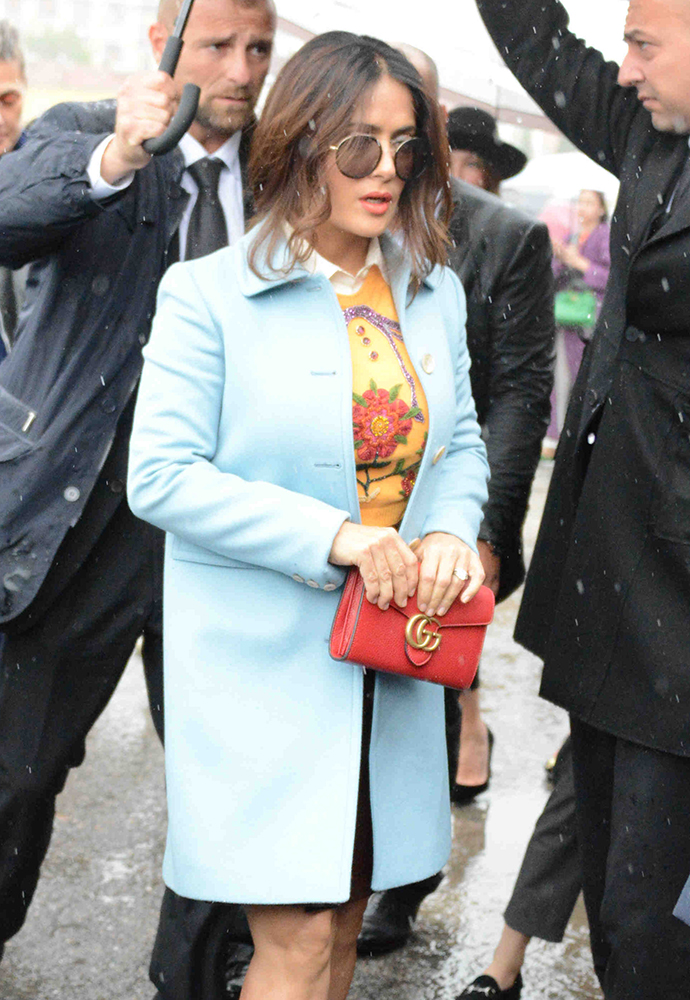 Salma-Hayek-Gucci-GG-Marmont-Mini-Bag