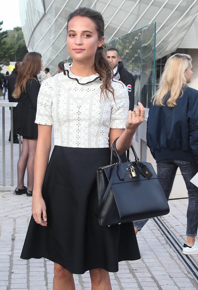 Alicia-Vikander-Louis-Vuitton-Tote
