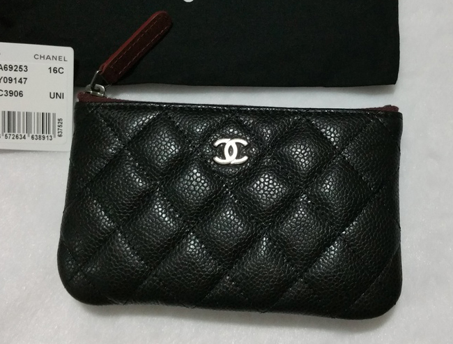 Chanel-Pouch