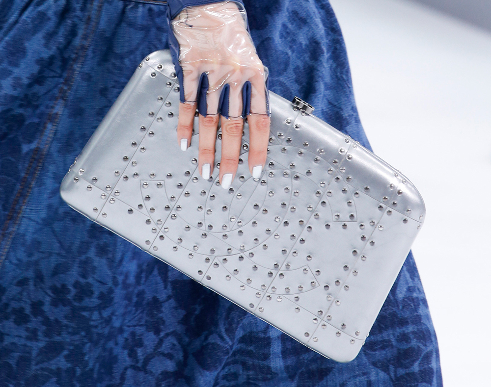 Chanel-Spring-2016-Bags-28