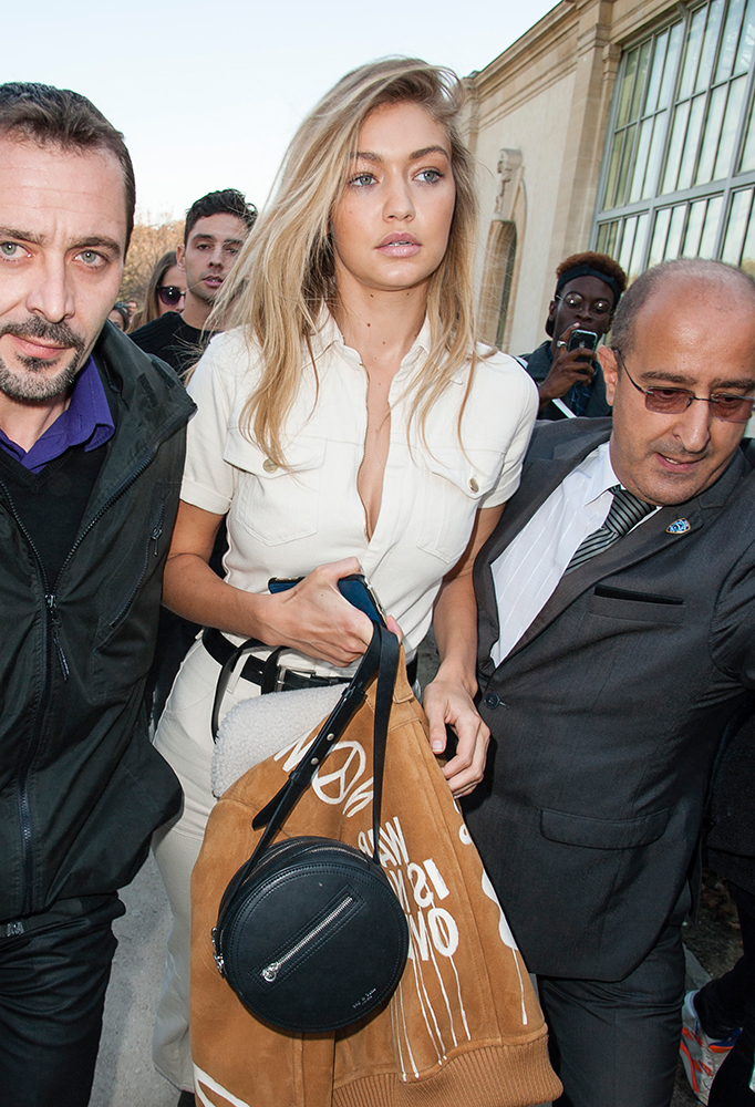 Gigi-Hadid-Rag-and-Bone-Circle-Bag