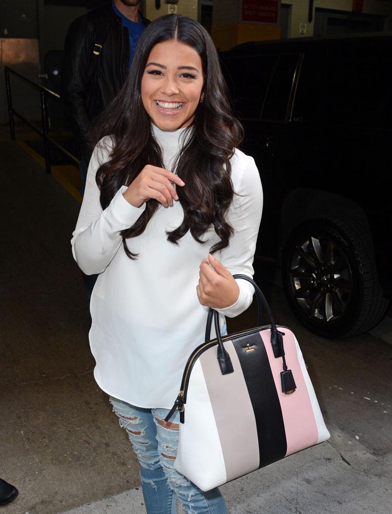 Gina-Rodriguez-Kate-Spade-Violet-Drive-Stripe-Mega-Maise-Bag