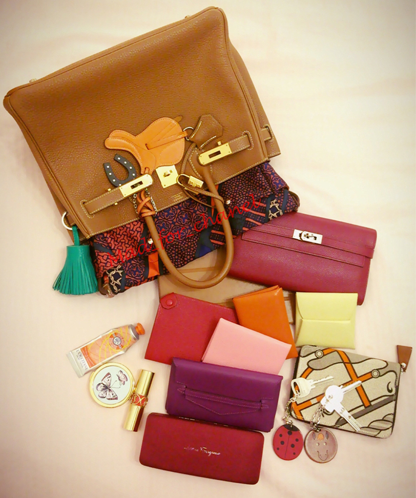 Hermes-Birkin-Inside-the-Bag