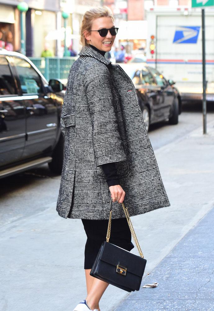 185ade4385e9 Karlie-Kloss-Dolce-and-Gabbana-Rosalia-Shoulder-Bag - PurseBlog