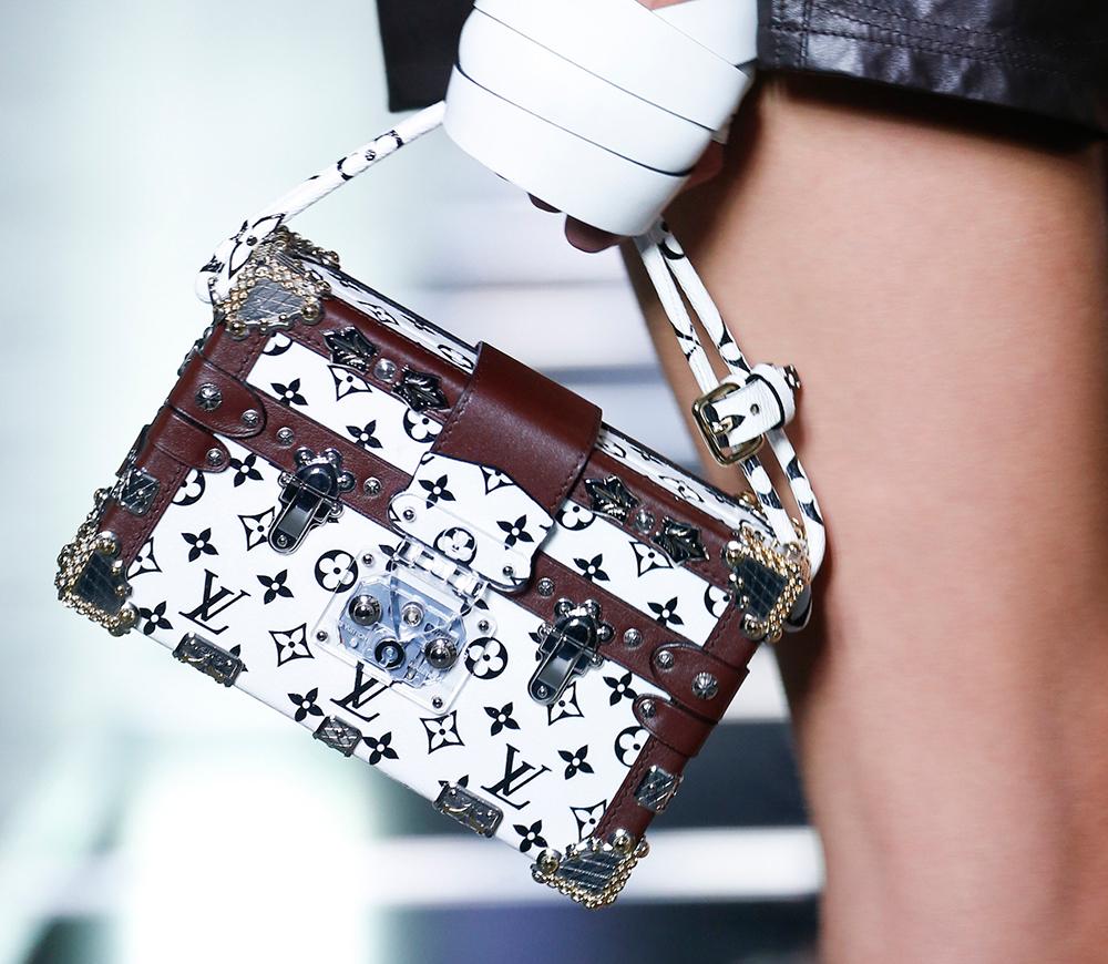 Louis-Vuitton-Spring-2016-Bags-17