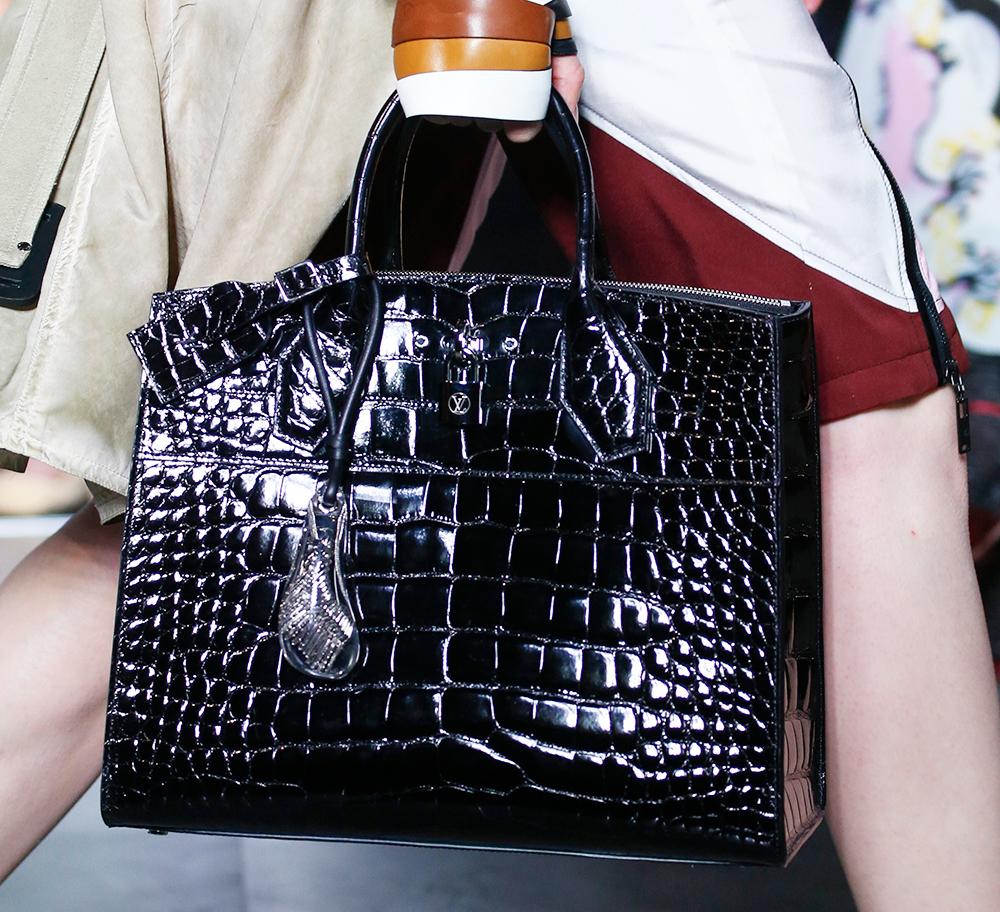 Louis-Vuitton-Spring-2016-Bags-23