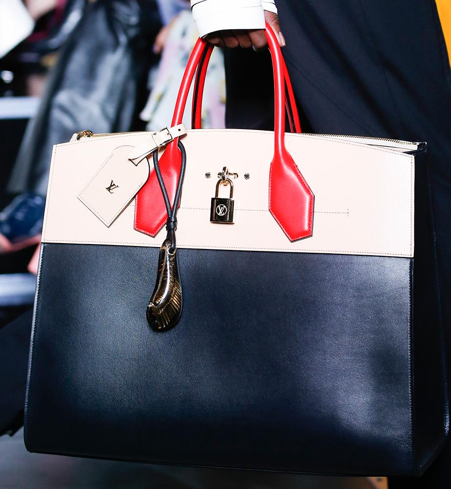 Louis-Vuitton-Spring-2016-Bags-26