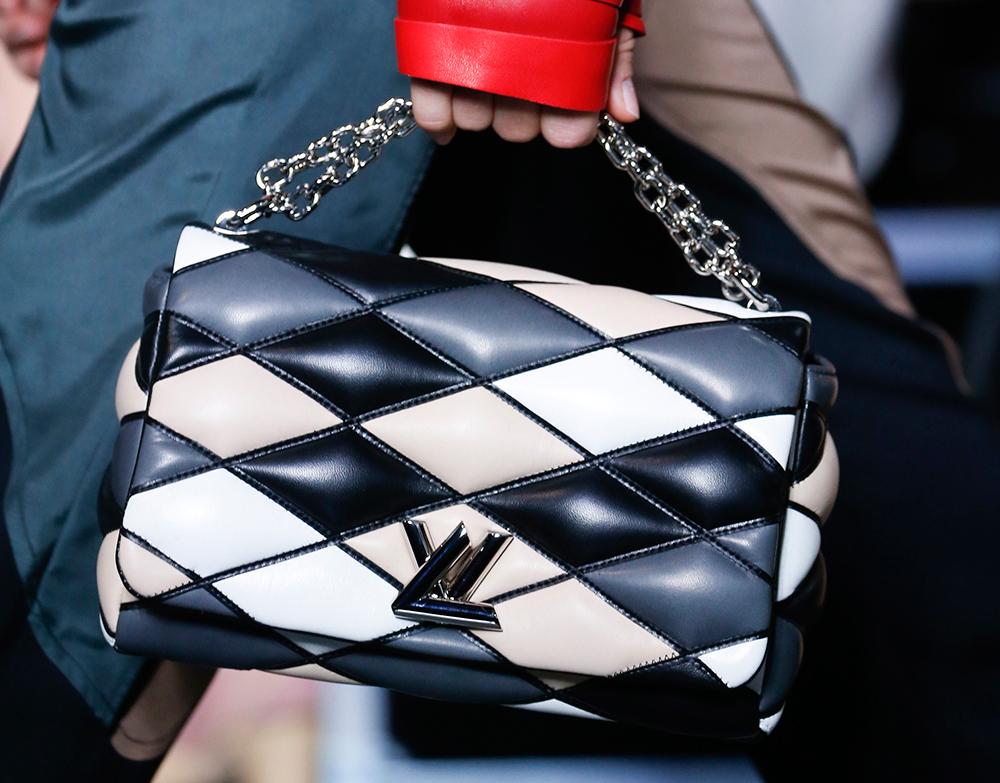Louis-Vuitton-Spring-2016-Bags-32