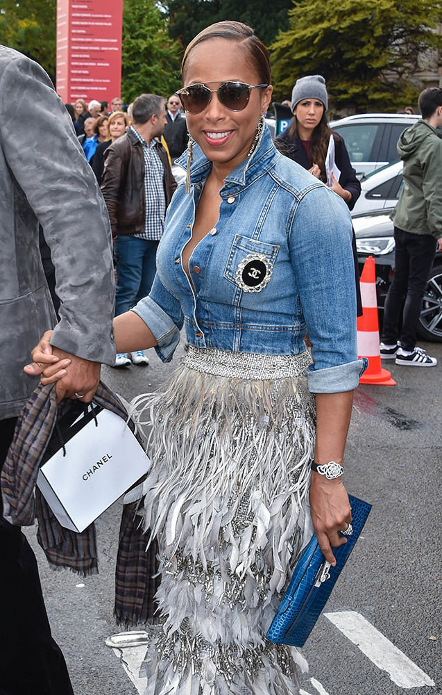 Marjorie-Harvey-Hermes-Kelly-Longue-Crocodile-Clutch-Blue