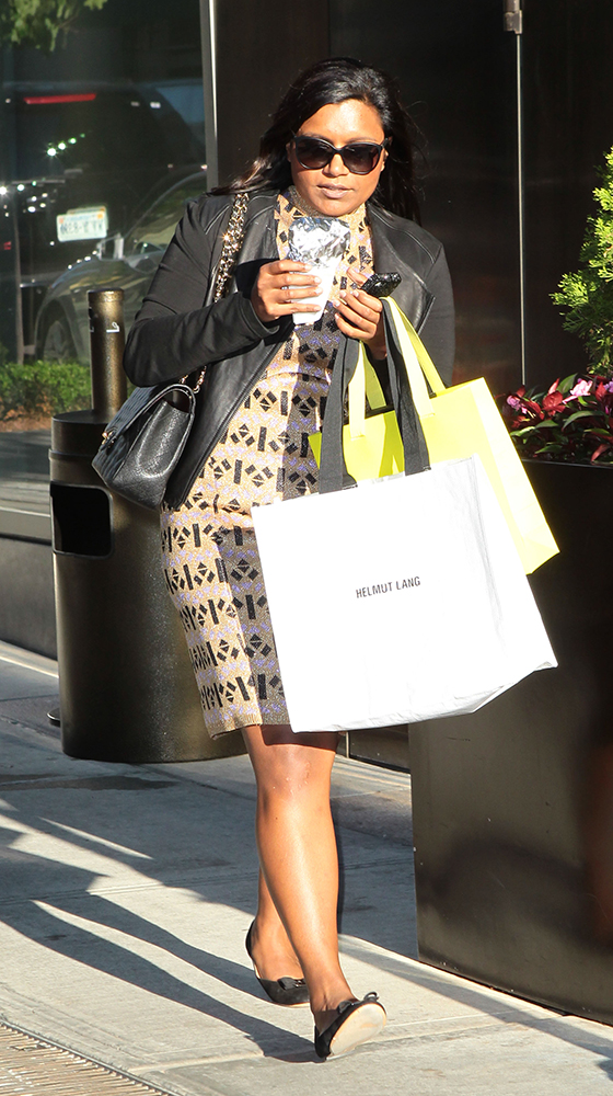 Mindy-Kaling-Chanel-Classic-Flap-Bag-2