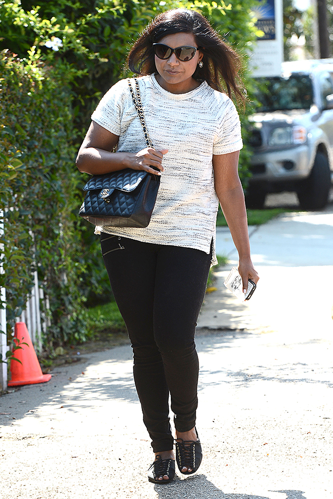 Mindy-Kaling-Chanel-Classic-Flap-Bag-4
