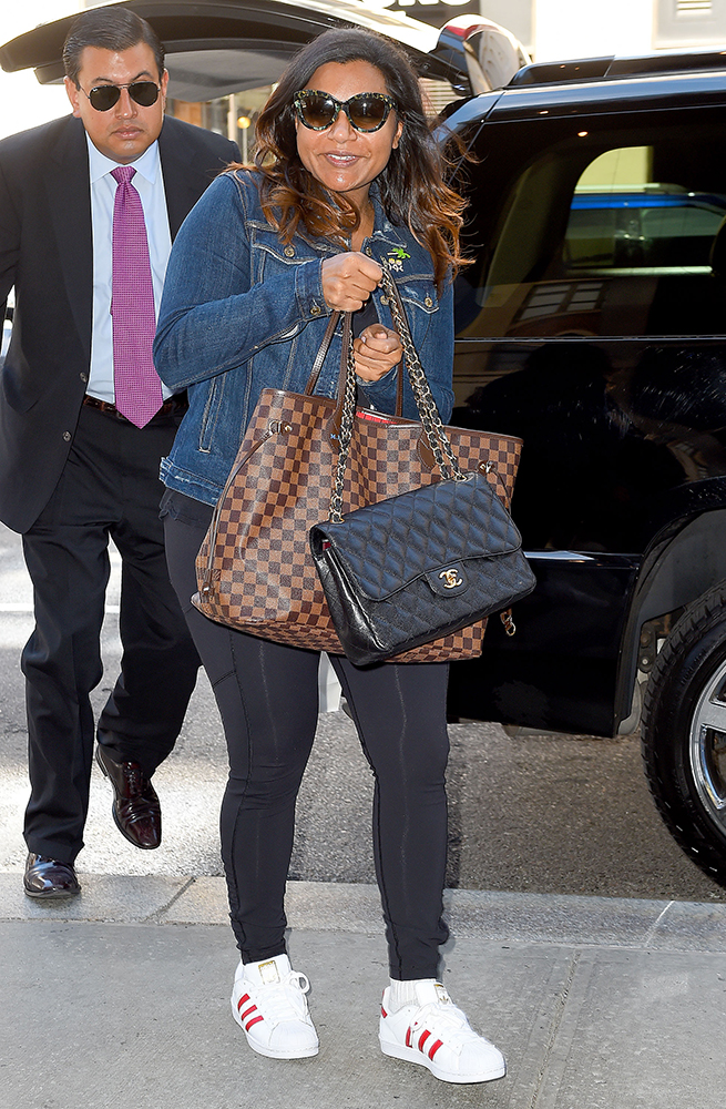 Mindy-Kaling-Chanel-Classic-Flap-Bag-6