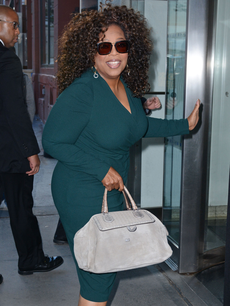 f9bd02921c Celebs Continue to Dine at Craig s with Beautiful Bags from Bottega ...