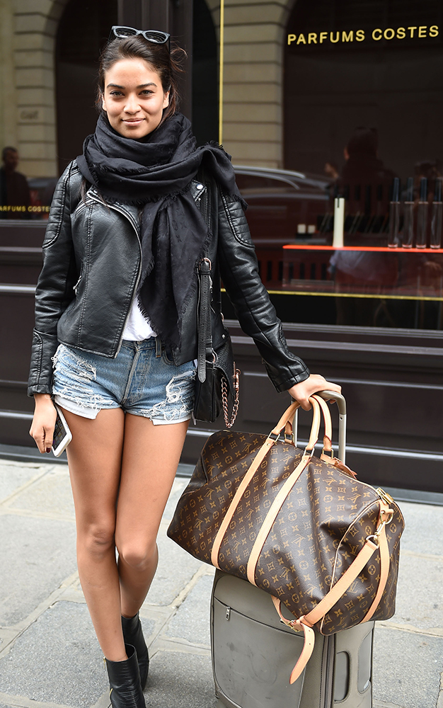 Shanina-Shaik-Louis-Vuitton-Monogram-Keepall-Bag
