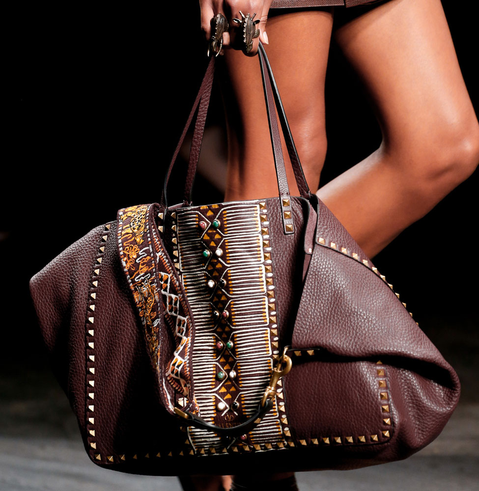 Valentino S Spring 2016 Runway Bags Relied On African