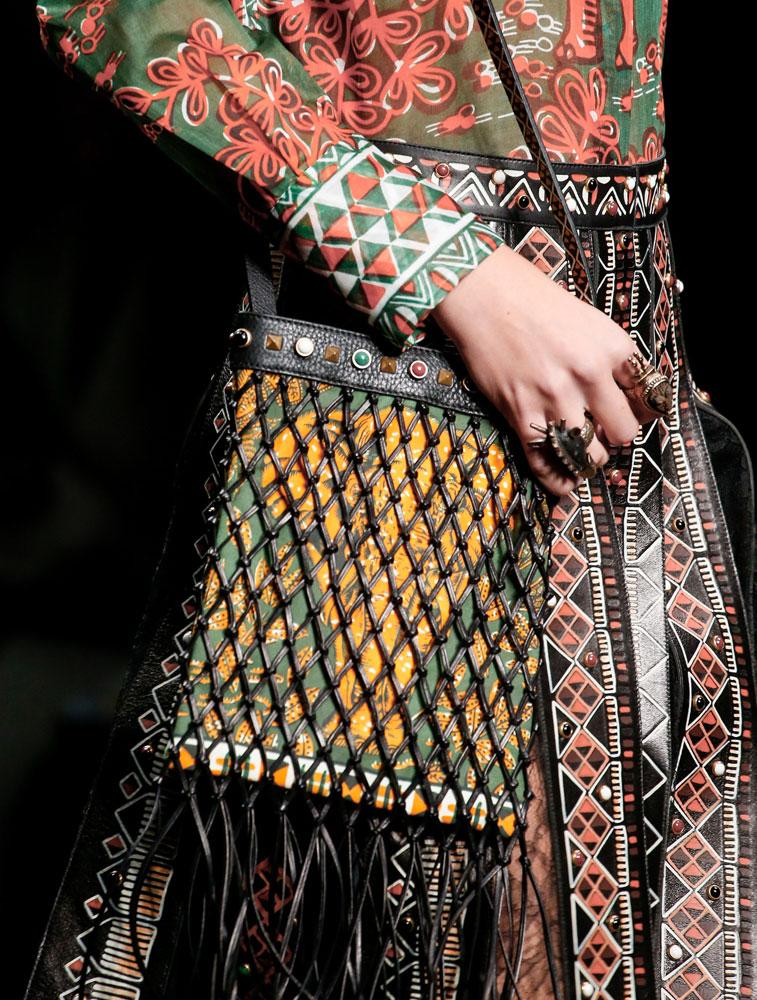 Valentino-Spring-2016-Bags-14