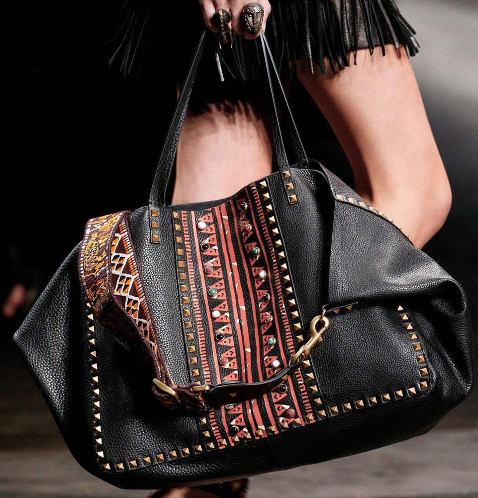 Valentino-Spring-2016-Bags-16