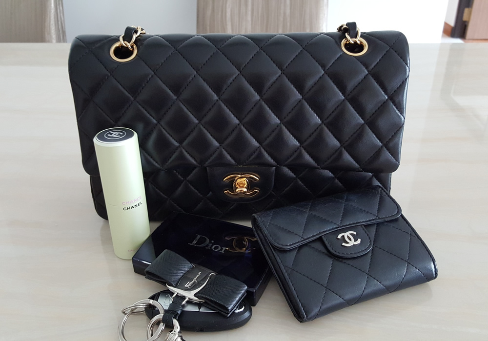 Whats in your CHANEL bag today