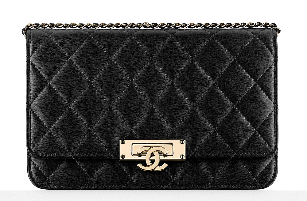 Chanel-Wallet-on-Chain-Bag-Black-2500