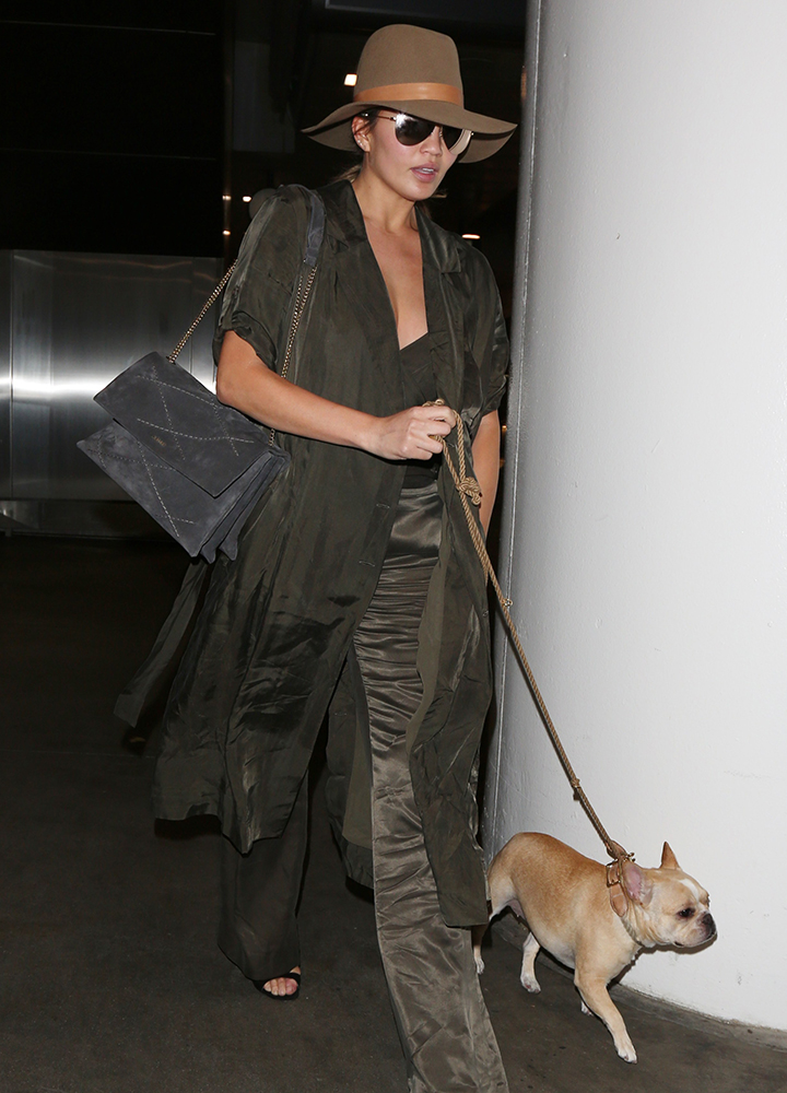 Chrissy-Teigen-Lanvin-Sugar-Shoulder-Bag