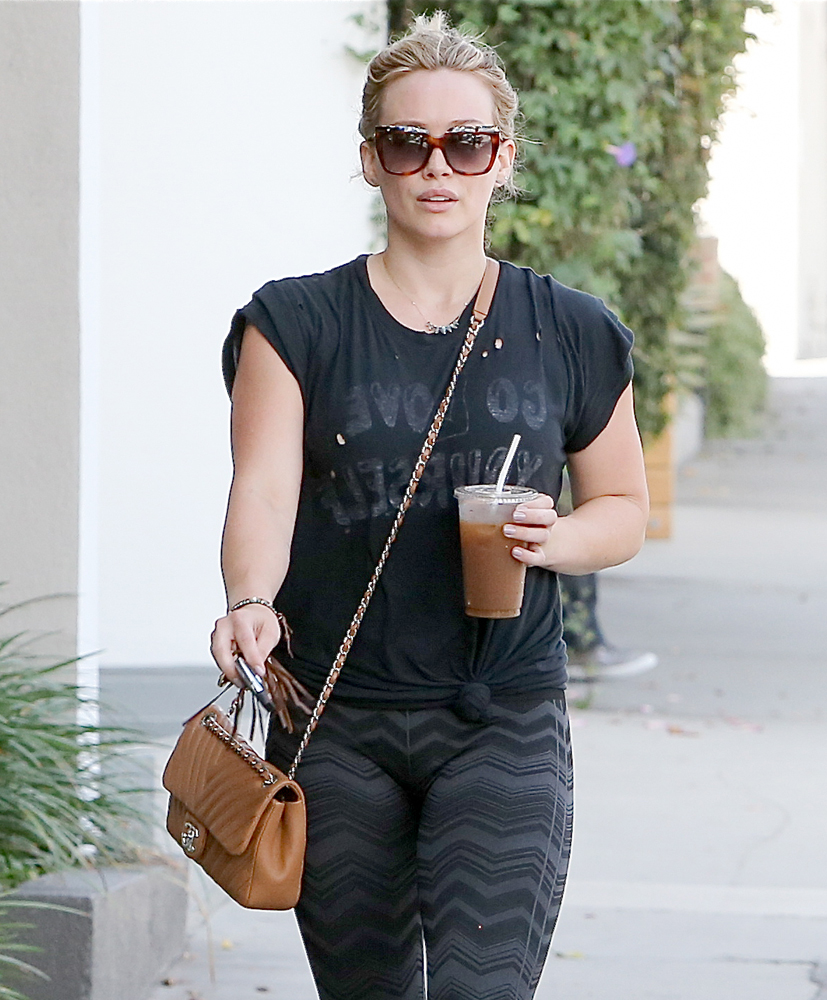 Hilary-Duff-Chanel-Flap-Bag-3