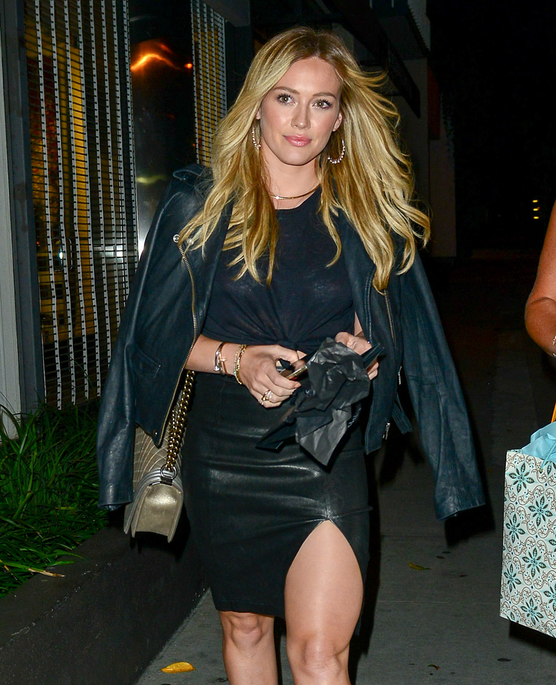 Hilary-Duff-Chanel-Flap-Bag-6