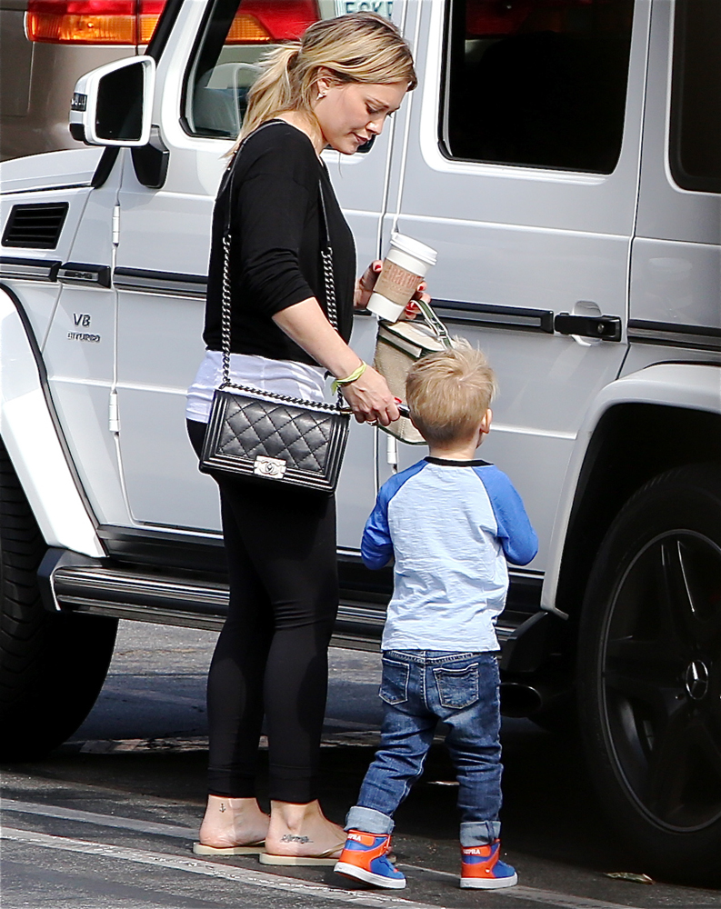 Hilary-Duff-Chanel-Flap-Bags-11