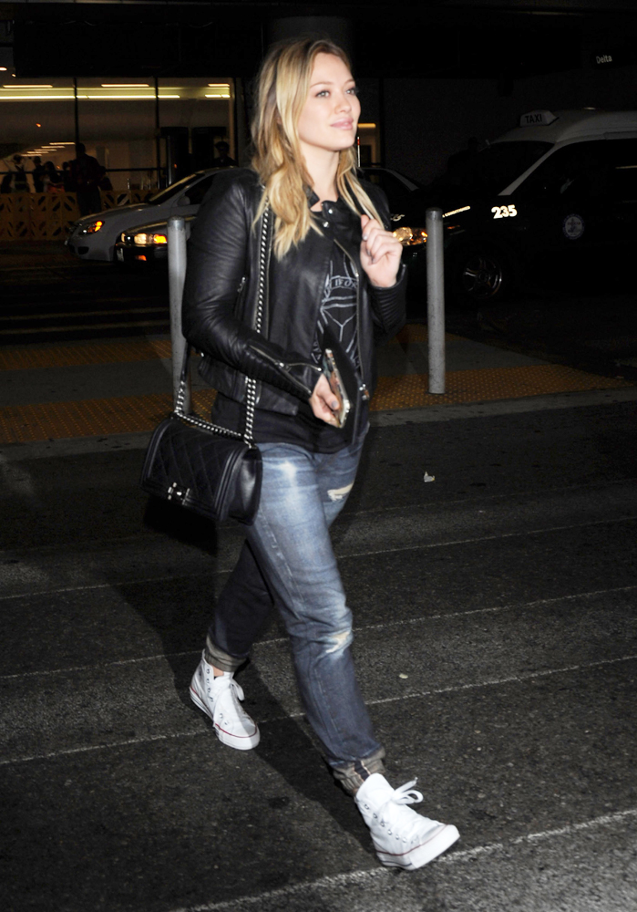 Hilary-Duff-Chanel-Flap-Bags-13