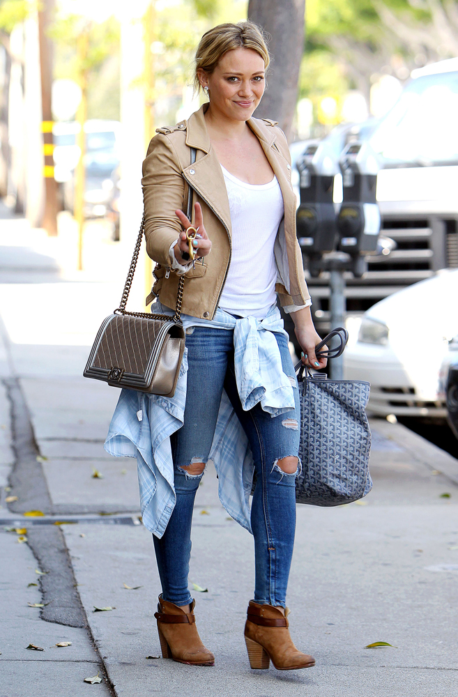 Hilary-Duff-Chanel-Flap-Bags-16