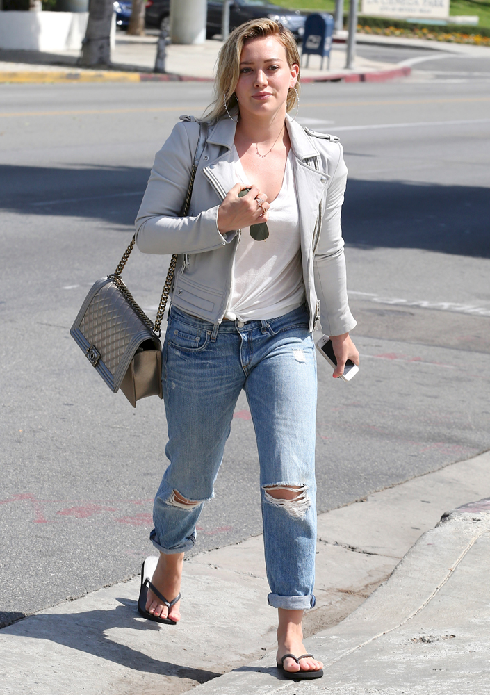Hilary-Duff-Chanel-Flap-Bags-22