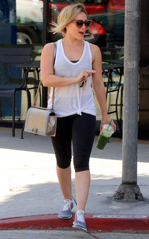 Hilary-Duff-Chanel-Flap-Bags-23