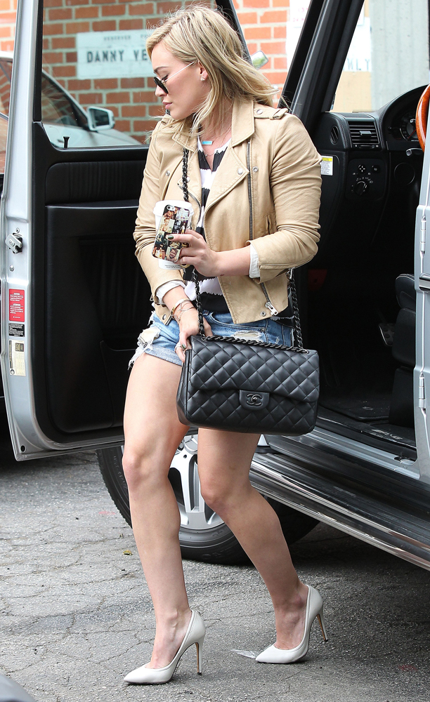 Hilary-Duff-Chanel-Flap-Bags-26