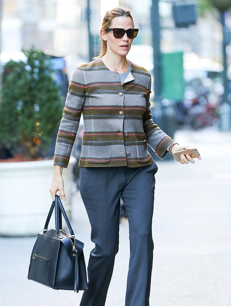 Jennifer-Garner-Celine-Ring-Bag