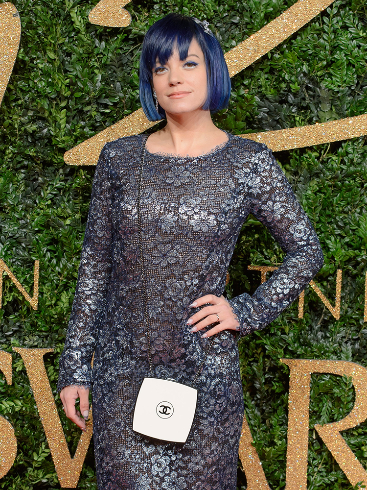 Lily-Allen-Chanel-Compact-Minaudiere