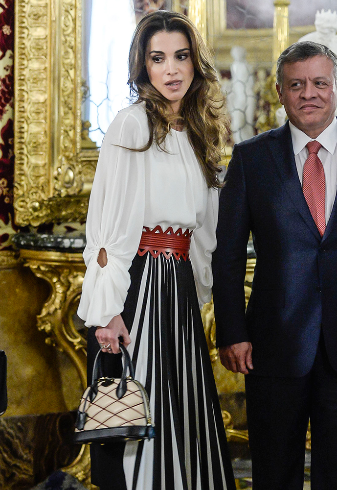 Queen-Rania-of-Jordan-Louis-Vuitton-Matellage-Alma-Bag