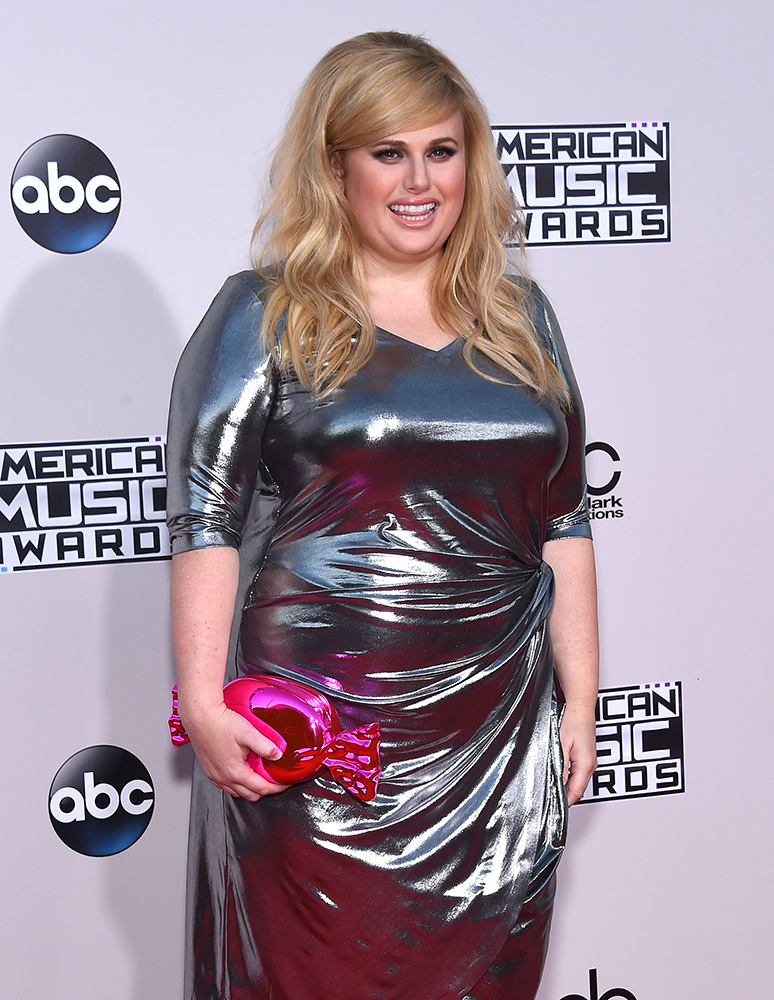 Rebel-Wilson-Kate-Spade-Candy-Wrapper-Clutch