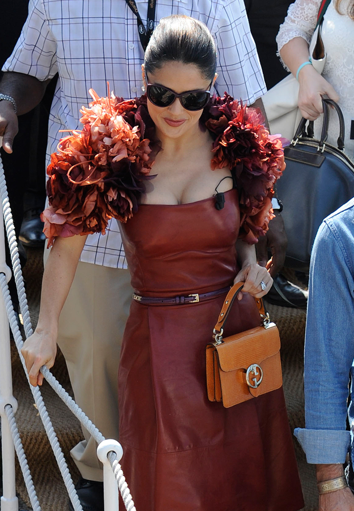 Salma-Hayek-Gucci-Lizard-1973-Top-Handle-Bag