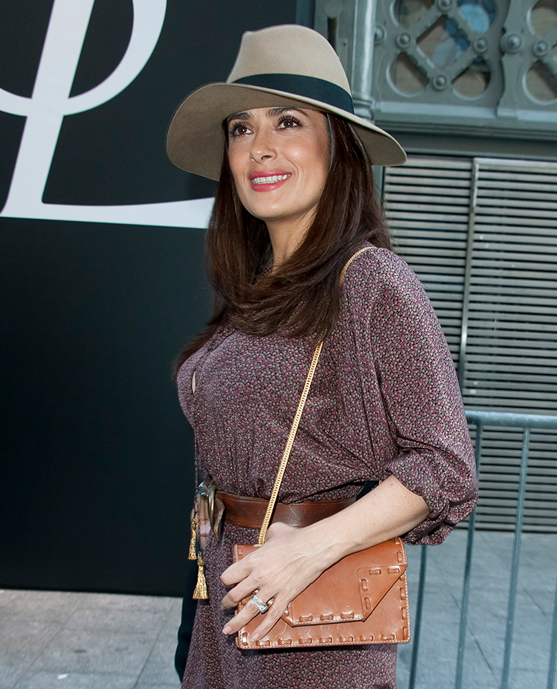 Salma-Hayek-Saint-Laurent-Betty-Bag