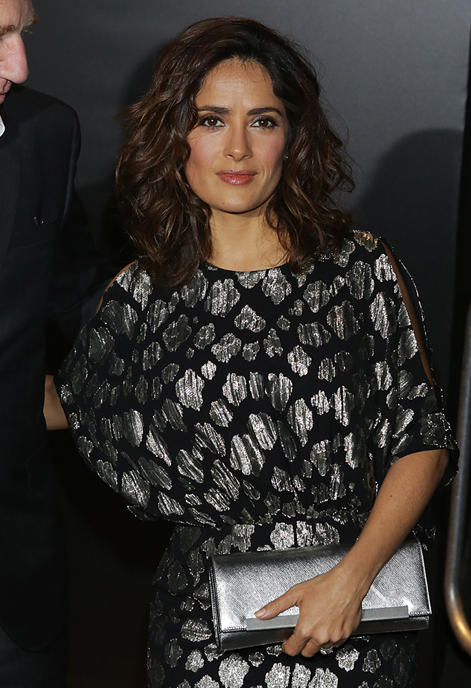 Salma-Hayek-Saint-Laurent-Lutetia-Bar-Clutch
