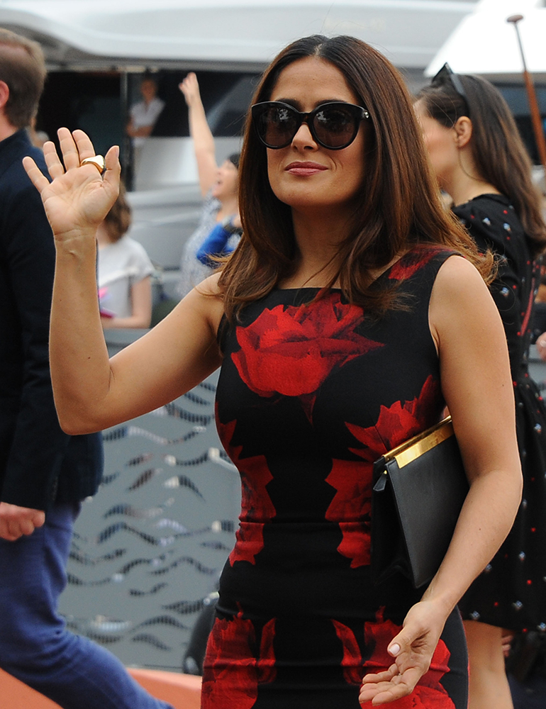Salma-Hayek-Saint-Laurent-Lutetia-Clutch