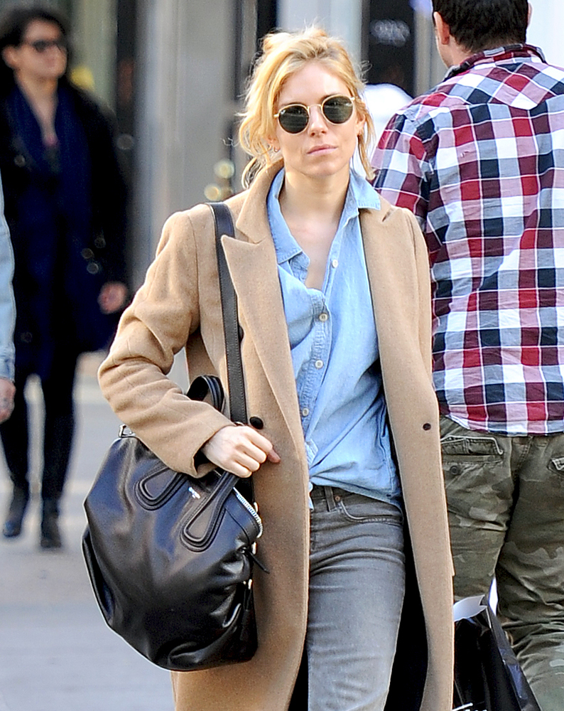 Sienna-Miller-Givenchy-Nightingale-Bag