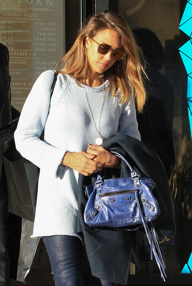 Jessica-Alba-Balenicaga-First-Bag