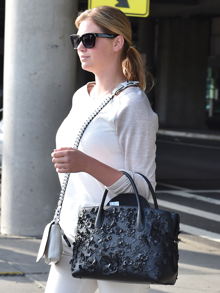 Kate-Upton-Dior-Floral-Open-Bar-Bag